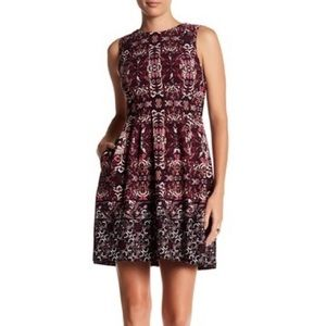 Vince Camuto Printed Sleeveless Pleat Dress